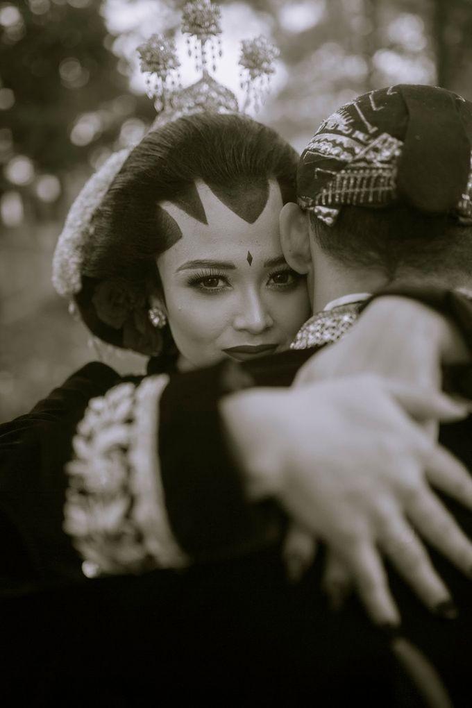 Micro Wedding Okta & Kresna by Kisah Kita Wedding Planner & Organizer - 008