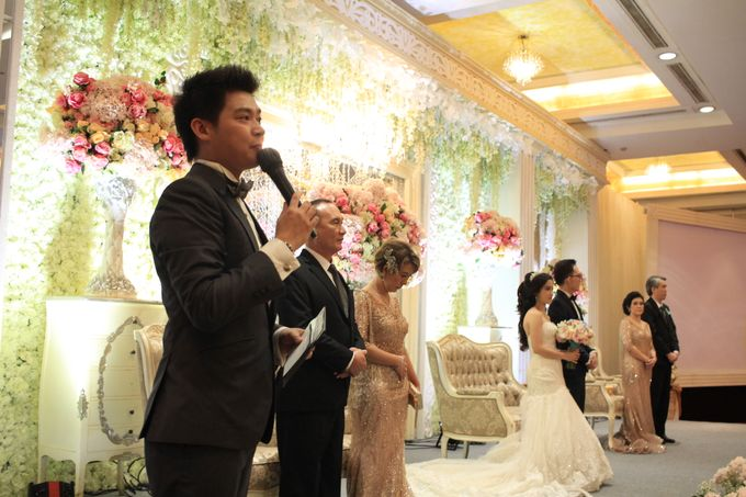 MC Wedding Red Top Hotel Jakarta - Anthony Stevven by Pelangi Cake - 014