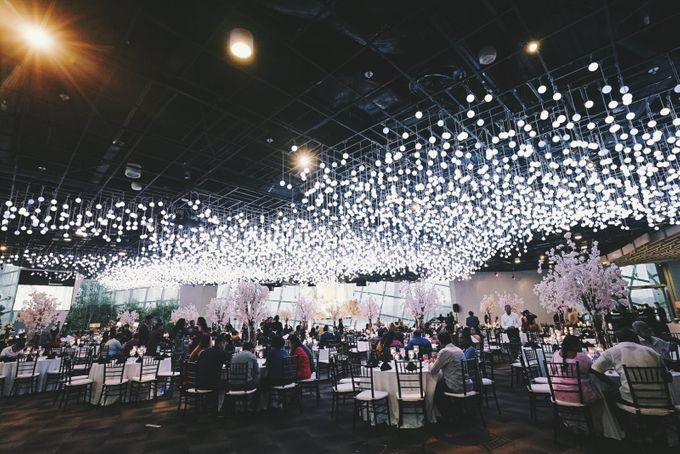 Cross National & Cultural Wedding at Gardens by the Bay by Glittering Carousel - 004