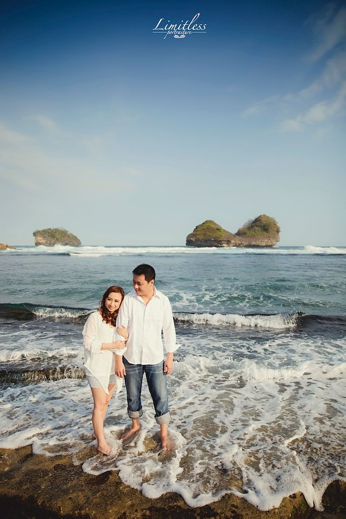 HENDY AND AMEL ENGAGEMENT PHOTOSHOOT by limitless portraiture - 004