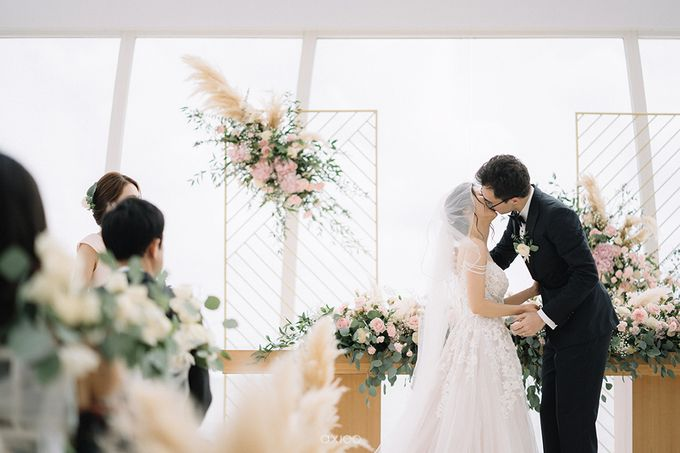 Julia & Liam Modern Sweet Wedding by Silverdust Decoration - 032