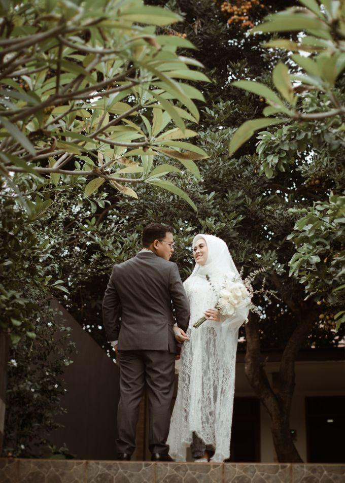 The Wedding of Putri & Adi di Pendopo Uti by Decor Everywhere - 014