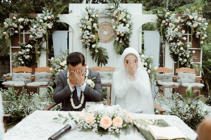 The Wedding of Putri & Adi di Pendopo Uti by Decor Everywhere - 005