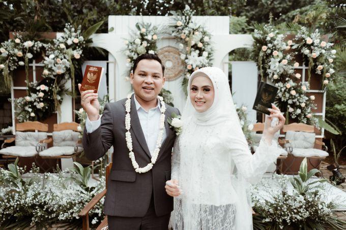 The Wedding of Putri & Adi di Pendopo Uti by Decor Everywhere - 004
