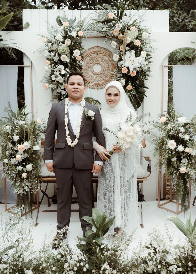 The Wedding of Putri & Adi di Pendopo Uti by Decor Everywhere - 006