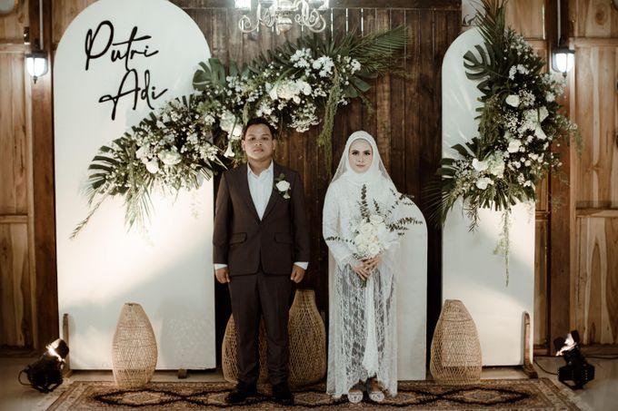 The Wedding of Putri & Adi di Pendopo Uti by Decor Everywhere - 008