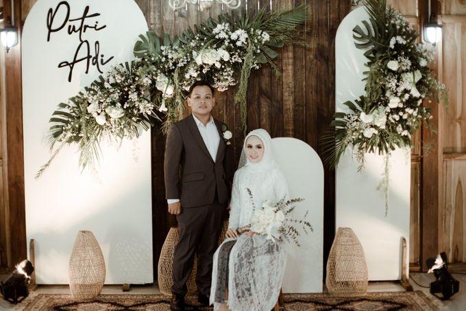 The Wedding of Putri & Adi di Pendopo Uti by Decor Everywhere - 007