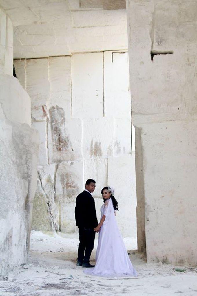 Prewedding Ahmad & Wahyu by Charis Production - 001