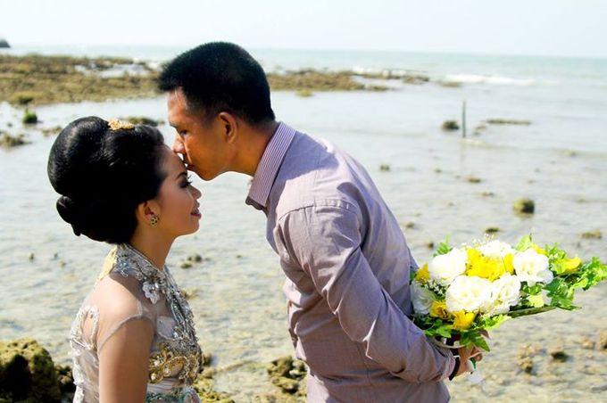 Prewedding Ahmad & Wahyu by Charis Production - 007