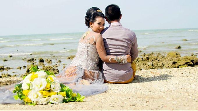 Prewedding Ahmad & Wahyu by Charis Production - 008