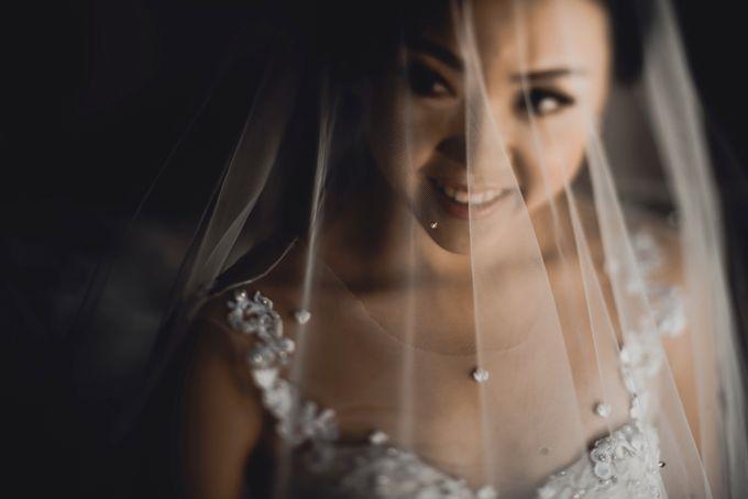 Erika & Darmawan Wedding Ceremony by ATIPATTRA - 009