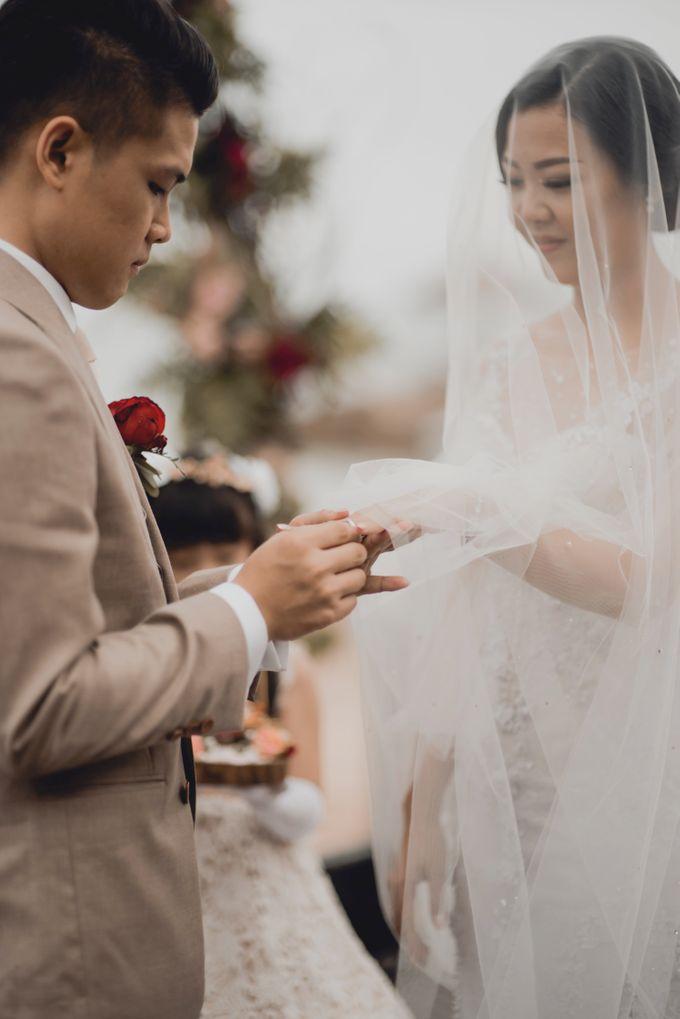 Erika & Darmawan Wedding Ceremony by ATIPATTRA - 012