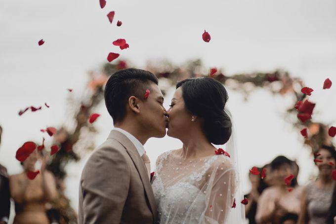 Erika & Darmawan Wedding Ceremony by ATIPATTRA - 016