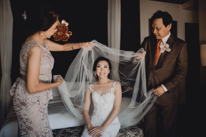Erika & Darmawan Wedding Ceremony by ATIPATTRA - 025