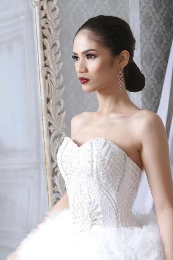 Bridal Gown Vol 02 by Hengki Kawilarang Couture - 003