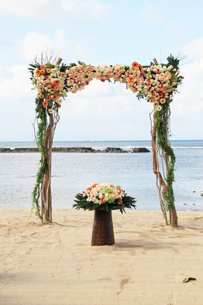 Kayumanis Nusa Dua Beach Wedding Peach Color Theme By Kayumanis