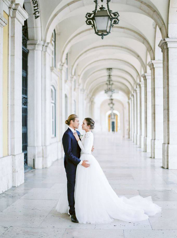 Lisbon Destination Wedding in a Palace and Yatch by Sublime Luxury Weddings - 026