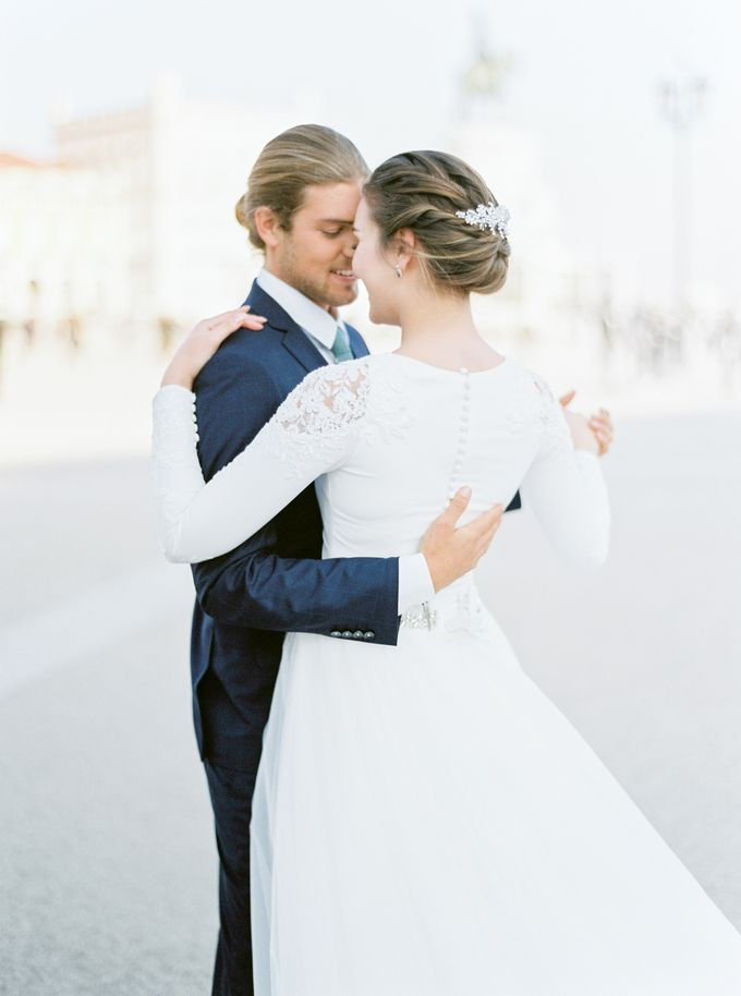 Lisbon Destination Wedding in a Palace and Yatch by Sublime Luxury Weddings - 027