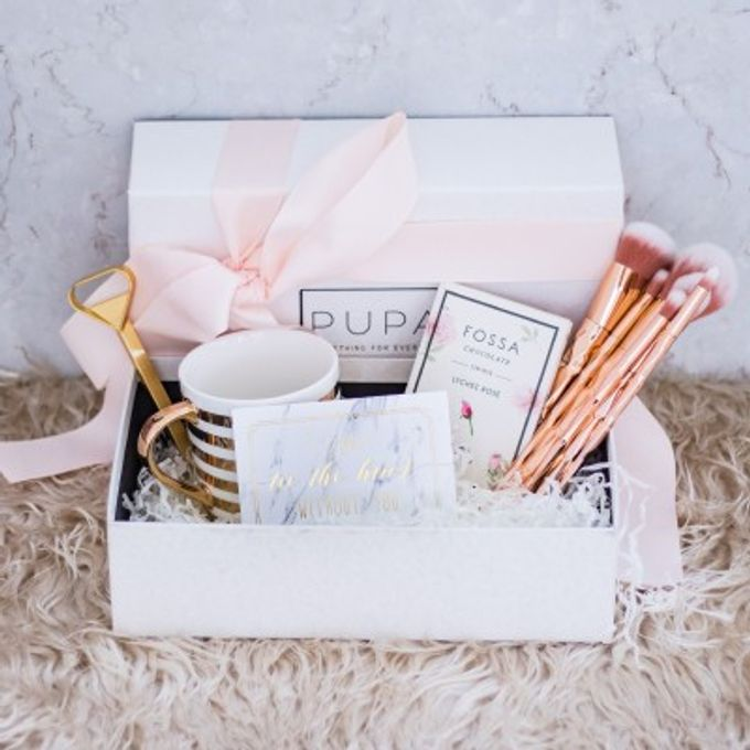 Bridesmaid Gift Box by Pupabox - 001