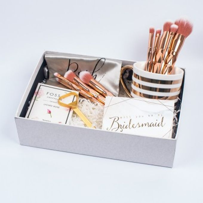 Bridesmaid Gift Box by Pupabox - 003