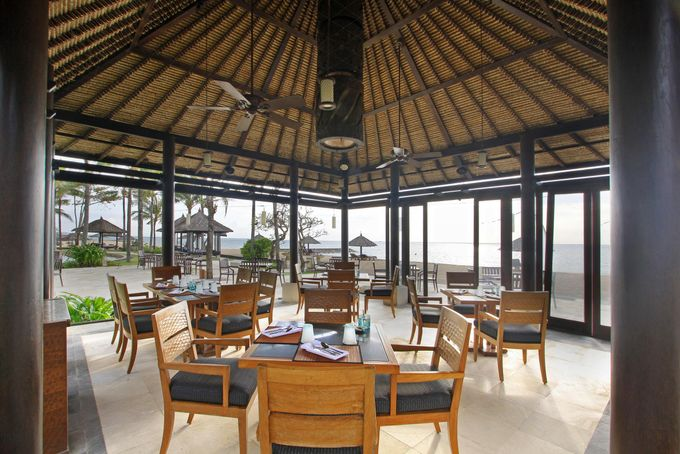 Eight Degree South Restaurant by Conrad Bali - 002