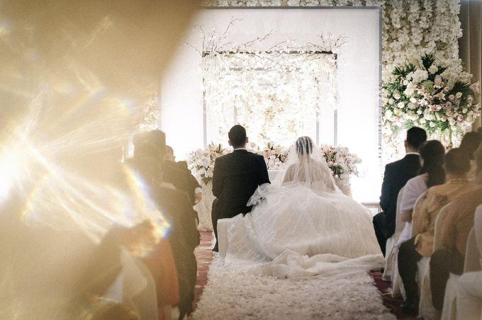 Holy Matrimony of Ezra & Eva by Soko Wiyanto - 002