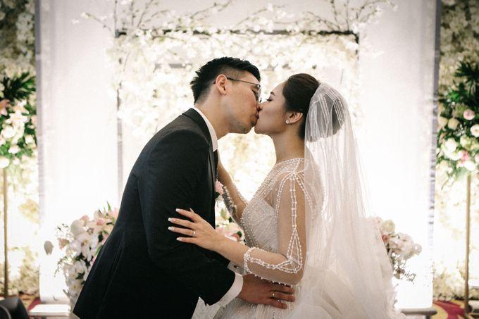 Holy Matrimony of Ezra & Eva by Soko Wiyanto - 007