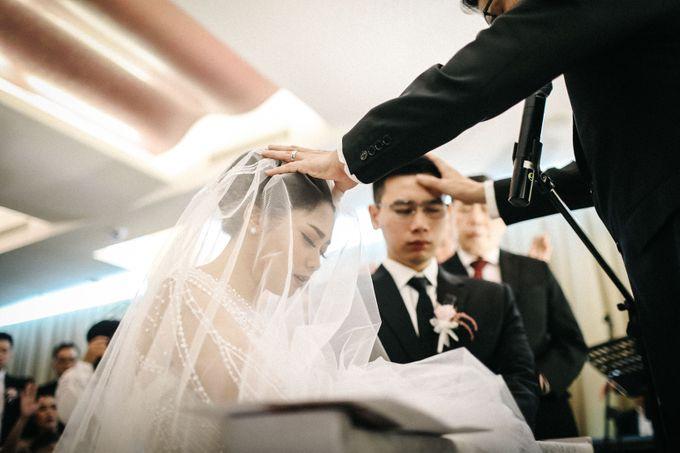 Holy Matrimony of Ezra & Eva by Soko Wiyanto - 011