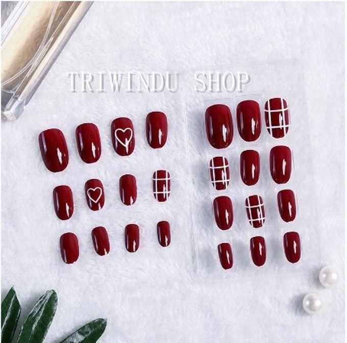 nail art- 24 pcs kuku palsu dengan warna merah merona dengan hiasan love love by Triwindu shop - 003