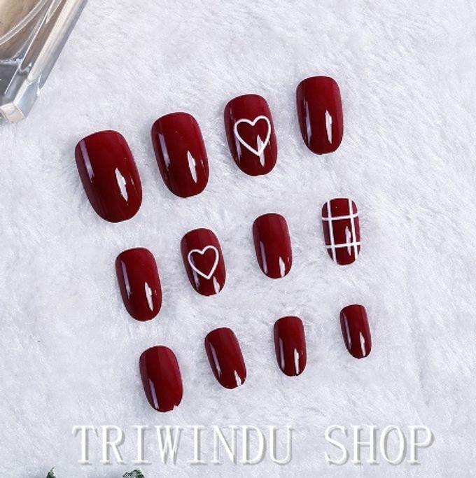 nail art- 24 pcs kuku palsu dengan warna merah merona dengan hiasan love love by Triwindu shop - 004