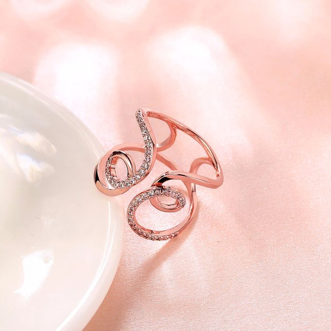 TIARIA Diamond Curly Gold Ring Perhiasan Cincin Emas Berlian by TIARIA - 008