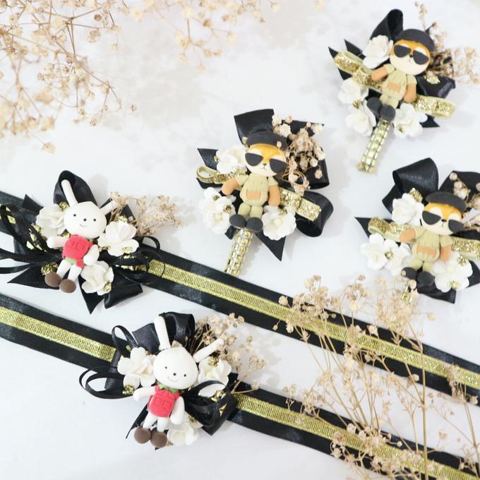 Elegant Colour Corsage And Wristband by de hijau hejo - 001