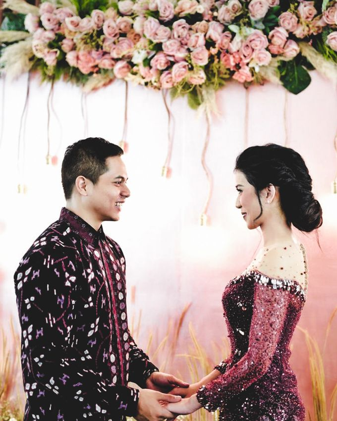 Cynthia & Osca Engagement Decoration by Nona Manis Creative Planner - 001