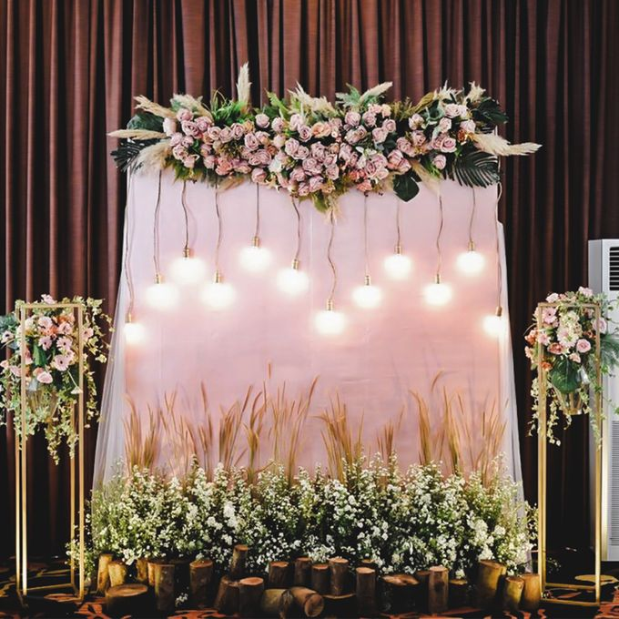 Cynthia & Osca Engagement Decoration by Nona Manis Creative Planner - 004