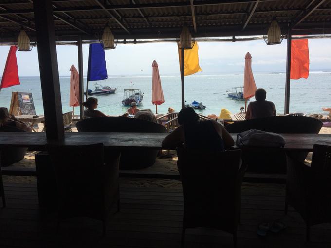 Agus Shipwreck lembongan bar as resident Dj by Egix 89 - 002