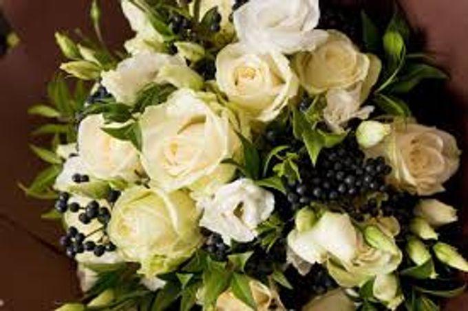 Bouquets, Corsages & Boutonnieres by Dorcas Floral - 011