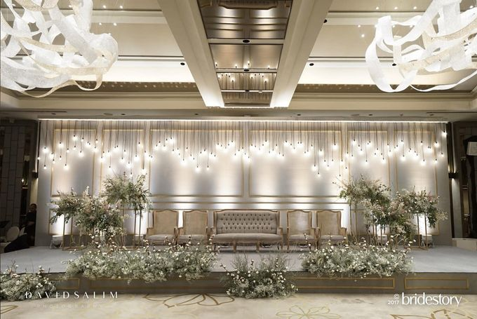 Raisa hamish wedding by cosa design decor bridestory add to board raisa hamish wedding by ayana midplaza jakarta 001 junglespirit Image collections