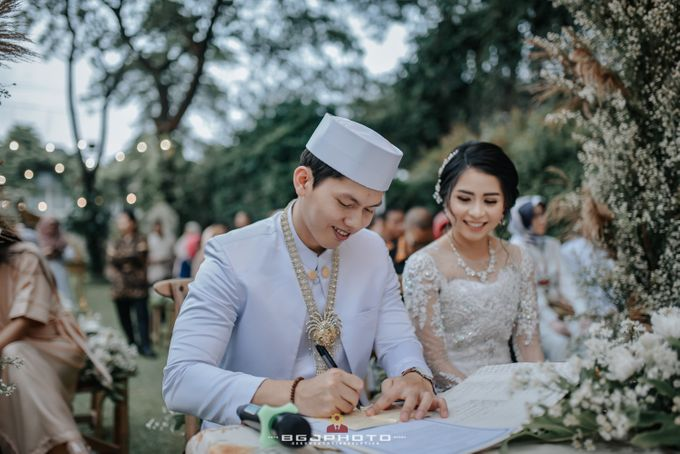 The Wedding of Ozie & Melati by MarisaFe Bridal - 012