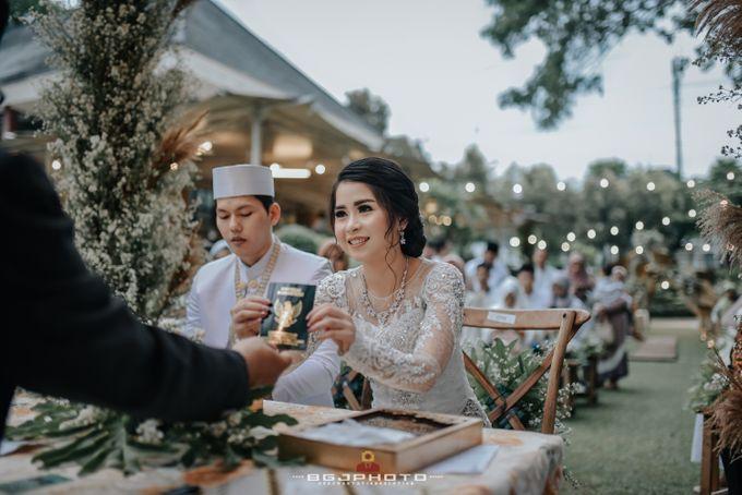 The Wedding of Ozie & Melati by MarisaFe Bridal - 015