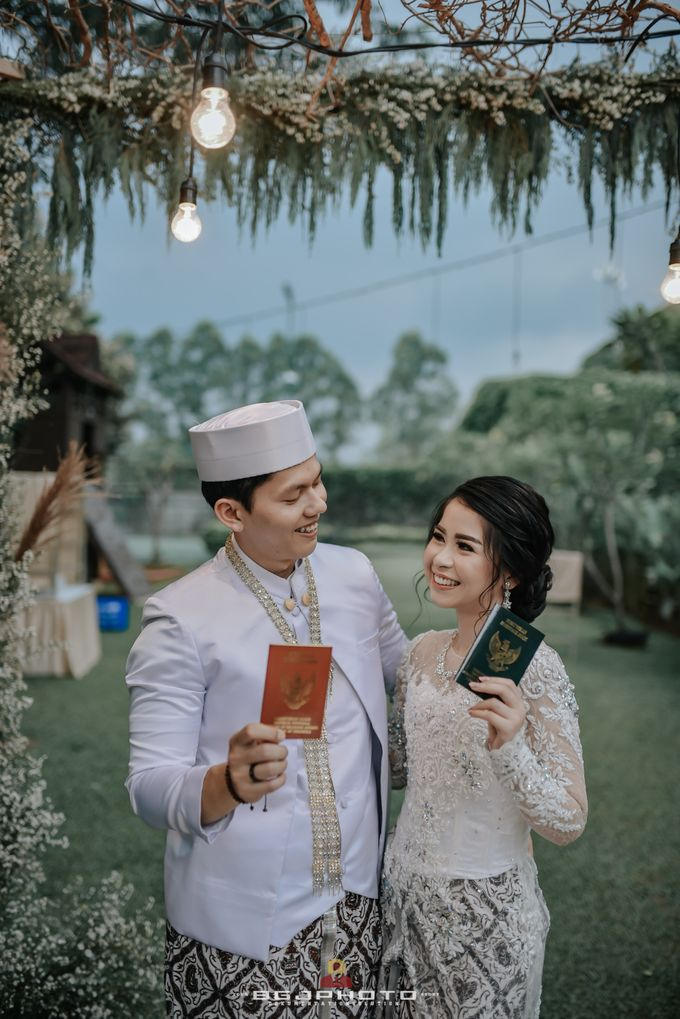 The Wedding of Ozie & Melati by MarisaFe Bridal - 013