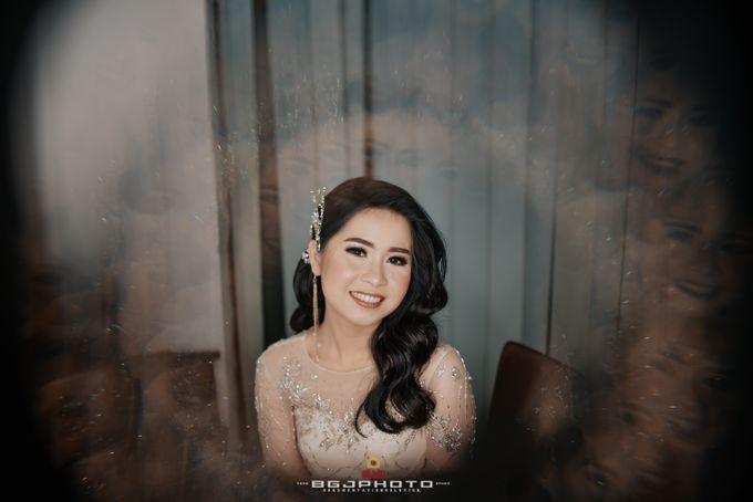 The Wedding of Ozie & Melati by MarisaFe Bridal - 008