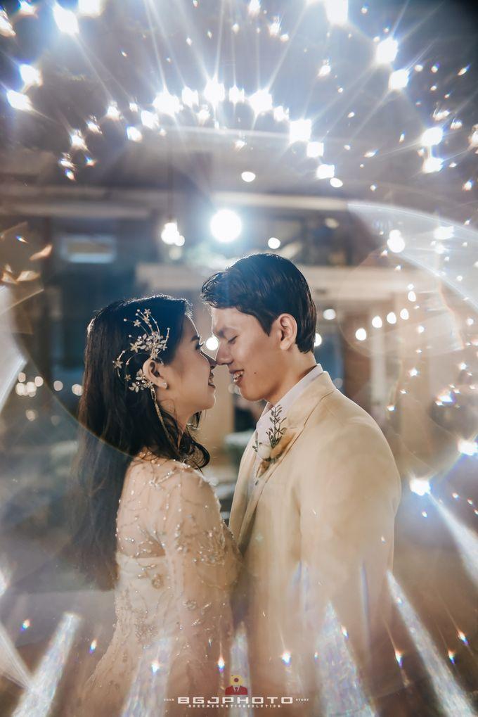 The Wedding of Ozie & Melati by MarisaFe Bridal - 002