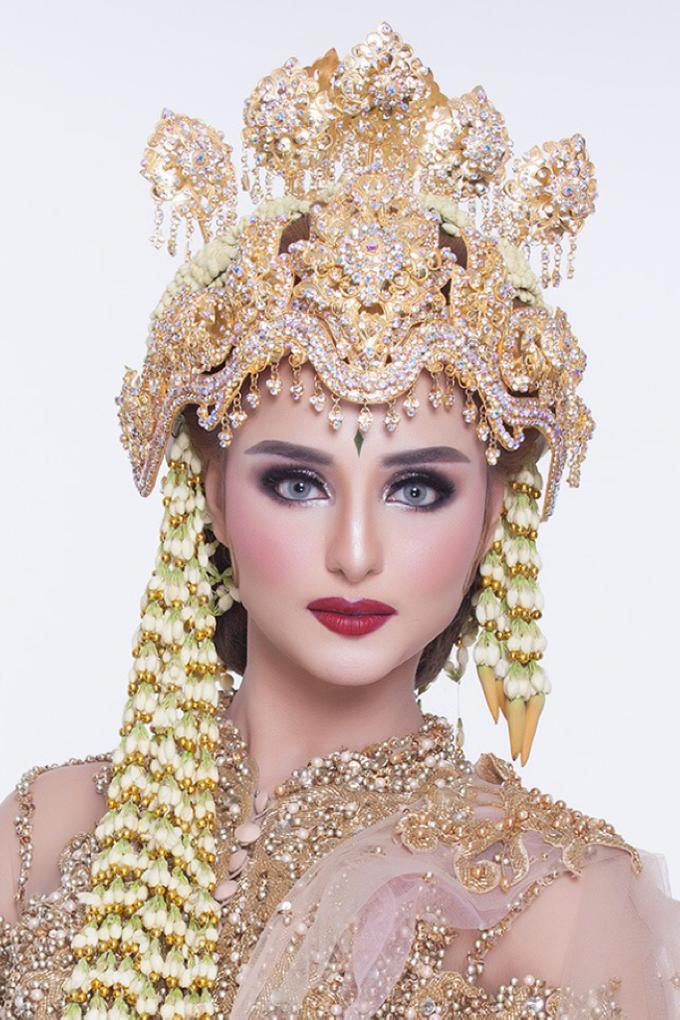 Bold makeup by ellaqueenmakeup - 008