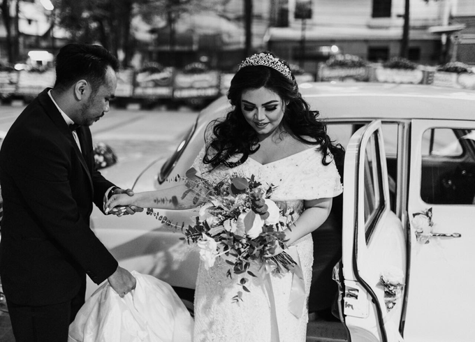Rustic Wedding of Zikra & Ridha by Elsie Chrysila Brides - 005
