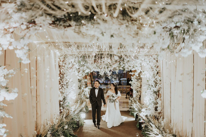 Rustic Wedding of Zikra & Ridha by Elsie Chrysila Brides - 007
