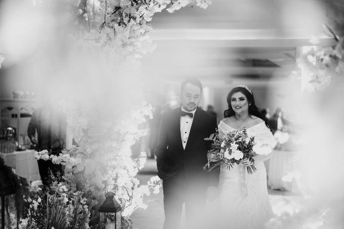 Rustic Wedding of Zikra & Ridha by Elsie Chrysila Brides - 011