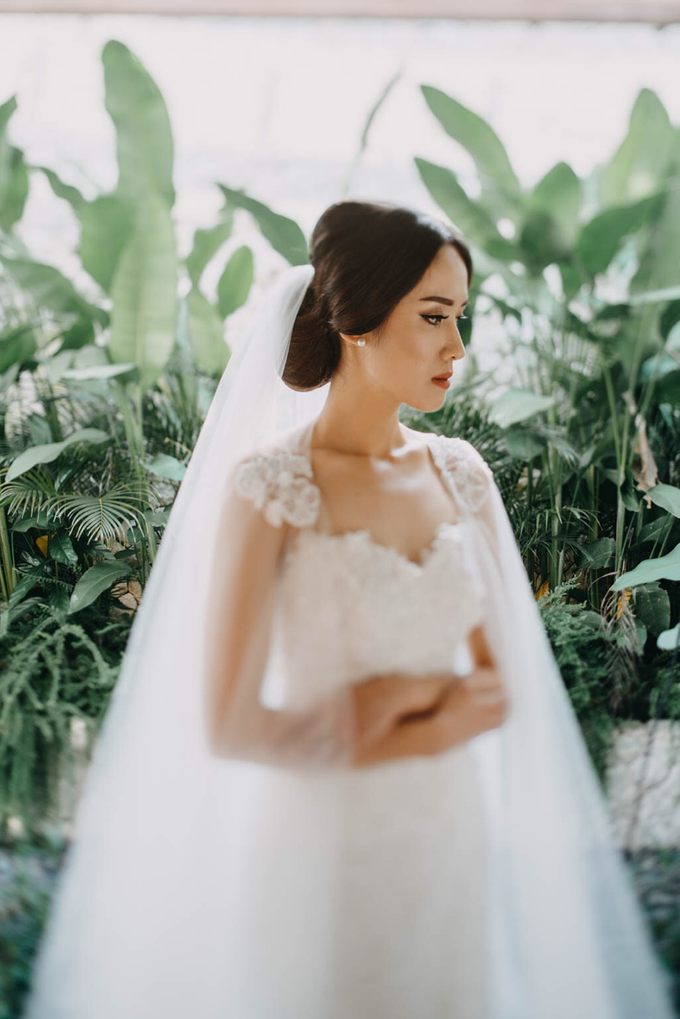 3 in 1 Look Raissa & Daniel Bali Wedding by Elsie Chrysila Brides - 017