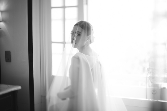 Classic White Wedding of Rio & Jess by Elsie Chrysila Brides - 003