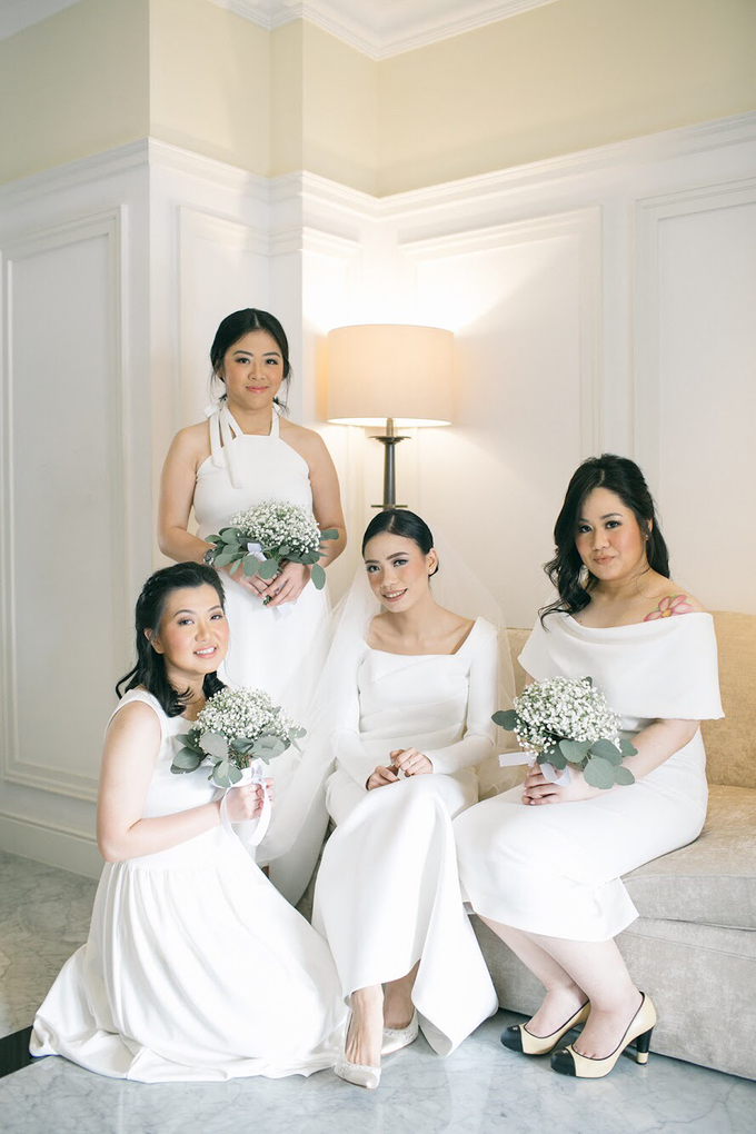 Classic White Wedding of Rio & Jess by Elsie Chrysila Brides - 002