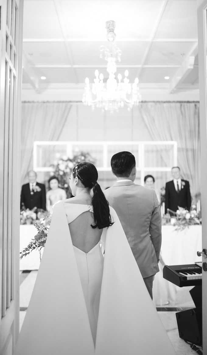 Classic White Wedding of Rio & Jess by Elsie Chrysila Brides - 019